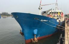 Ngư dân Lý Sơn tiếp nhận tàu dịch vụ hậu cần vỏ thép