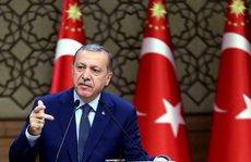 Ông Erdogan thoát chết nhờ 'máy bay truy sát hết nhiên liệu'