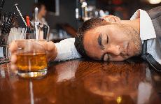 7 sai lầm khi giải rượu nhiều người mắc phải