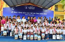 Vinamilk tặng sữa cho trẻ em tại Ninh Bình