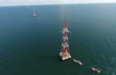 Vượt biển đưa điện ra đảo Lại Sơn