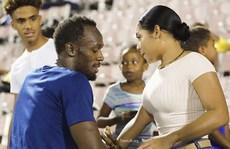 """""""Siêu vòng ba"""" Kim Kardashian thua sút người yêu Usain Bolt"""