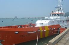 Tàu câu mực cùng 34 ngư dân bị tàu lạ đâm chìm