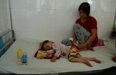 Bé 11 tháng tuổi tử vong do nhập viện trễ