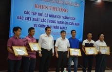 Khen thưởng những người cứu nạn tàu chìm trên sông Hàn