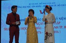 Việt Hương bật khóc trong ngày hội ngộ thầy cô