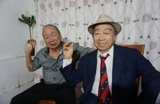 """Danh hài Tùng Lâm bật khóc khi gặp """"anh em song sinh"""""""
