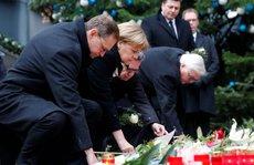 """""""Bom hẹn giờ"""" thử thách bà Merkel"""