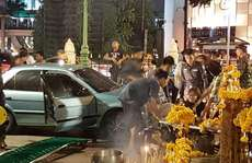 Thái Lan: Đền Erawan lại gặp chuyện