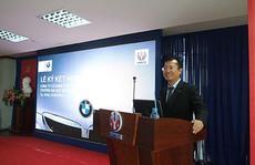 Euro Auto trao tặng thiết bị và ký thỏa thuận hợp tác