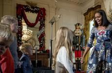 Bà Clinton 'xuất hiện' trong giáng sinh Nhà Trắng