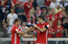 Lewandowski lập hat-trick, Bayern Munich thắng '6 sao'