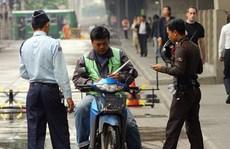 """""""Xe ôm"""" Uber và Grab tại Thái Lan bị buộc ngừng hoạt động"""