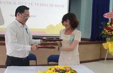 HDBANK trao 300 triệu đồng tài trợ y tế TP HCM