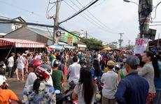 """TP HCM: Suýt chết vì """"lạc"""" vào đám hỗn chiến"""