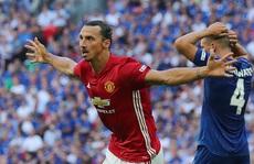 Ibrahimovic tỏa sáng, M.U có danh hiệu đầu tiên thời Mourinho
