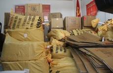 Bắt 5 đối tượng vận chuyển gần 3 tấn thuốc nổ bán cho 'vàng tặc'
