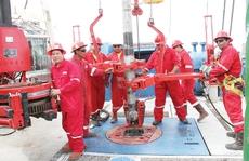 Nhân viên dầu khí nhận hơn 1 triệu đồng tiền thưởng Tết