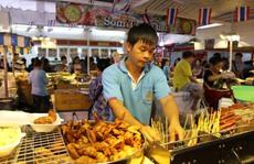Đông nghẹt người ở hội chợ hàng Thái Lan