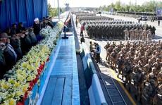 Iran khoe S-300 mới tậu của Nga trong lễ duyệt binh