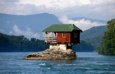 Khó tin những ngôi nhà kỳ lạ trên thế giới