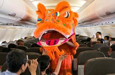 Hành khách phá cỗ trung thu cùng Jetstar Pacific