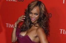 Siêu mẫu Tyra Banks đón con từ người mang thai hộ