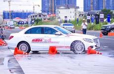 Học viện Lái xe an toàn Mercedes-Benz 2016 tổ chức tại Long An