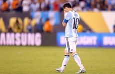 Messi chia tay tuyển Argentina