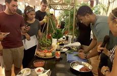 Sinh viên Mỹ tìm hiểu văn hóa ẩm thực Việt