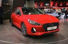 Hyundai i30 hatchback mới có nội thất 'kì lạ'