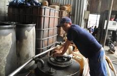 Triệt phá 'ổ' rút ruột xăng dầu ở TP HCM