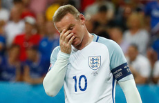 Shearer bất ngờ khuyên Rooney rời tuyển Anh