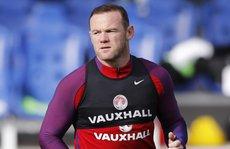 Thầy trò Rooney bị cáo buộc trốn thuế trước trận gặp Andorra