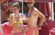 """Con gái rượu Shearer """"làm nóng"""" Barbados"""