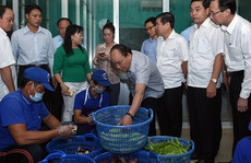 Thủ tướng 'vi hành', ăn phở, uống cà phê ở TP HCM