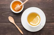 Uống nước chanh mật ong vừa giảm cân vừa sạch mụn