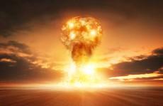 Ông Trump mạnh miệng về hạt nhân, cấp dưới liền 'giải quyết hậu quả'