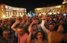 Armenia: Kẻ chiếm đồn cảnh sát suốt 1 tuần đầu hàng