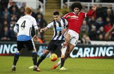 Công làm thủ phá, Man United mất điểm trước Newcastle