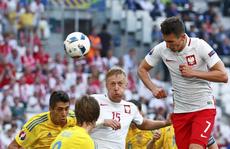 Ba Lan- Ukraine 1-0: Đại bàng trắng thẳng tiến vòng 1/8