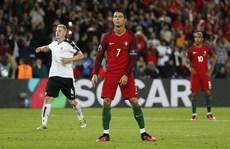 Ronaldo nhạt nhòa, Bồ Đào Nha bị Áo chia điểm