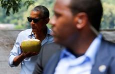 Uống nước dừa, Tổng thống Obama 'quyến rũ' Lào