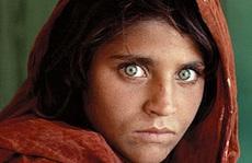 Số phận nghiệt ngã của cô gái Afghanistan có ánh mắt hút hồn