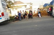 """KCN Tân Đức tố công an """"khủng bố tinh thần"""""""
