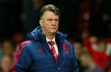 HLV Van Gaal trút giận lên nhà báo, chỉ trích trọng tài