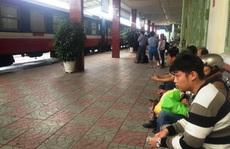 Đường sắt qua Phú Yên bị tê liệt hoàn toàn