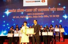 Techcombank lần thứ ba liên tiếp được cục thuế tuyên dương