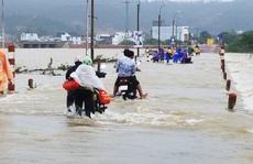 """Bình Định: Vùng """"rốn lũ"""" lại ngập nước, hơn 15.000 học sinh nghỉ học"""