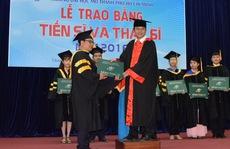 Trường ĐH Mở TP HCM trao bằng tốt nghiệp cho 279 thạc sĩ, tiến sĩ